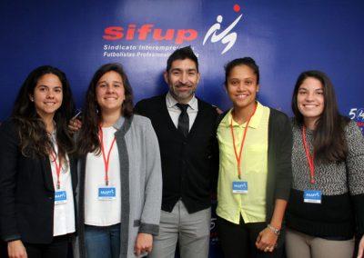 El Sindicato de Futbolistas Profesionales (Sifup) incorpora a las jugadoras de fútbol femenino con el objetivo de unificar la lucha por sus derechos.