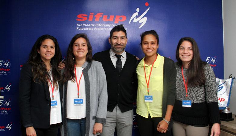 Sifup incorpora a las jugadoras de fútbol femenino